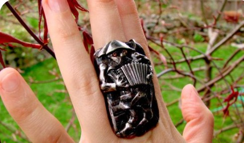 The Accordionist by Pablo Picasso Ring